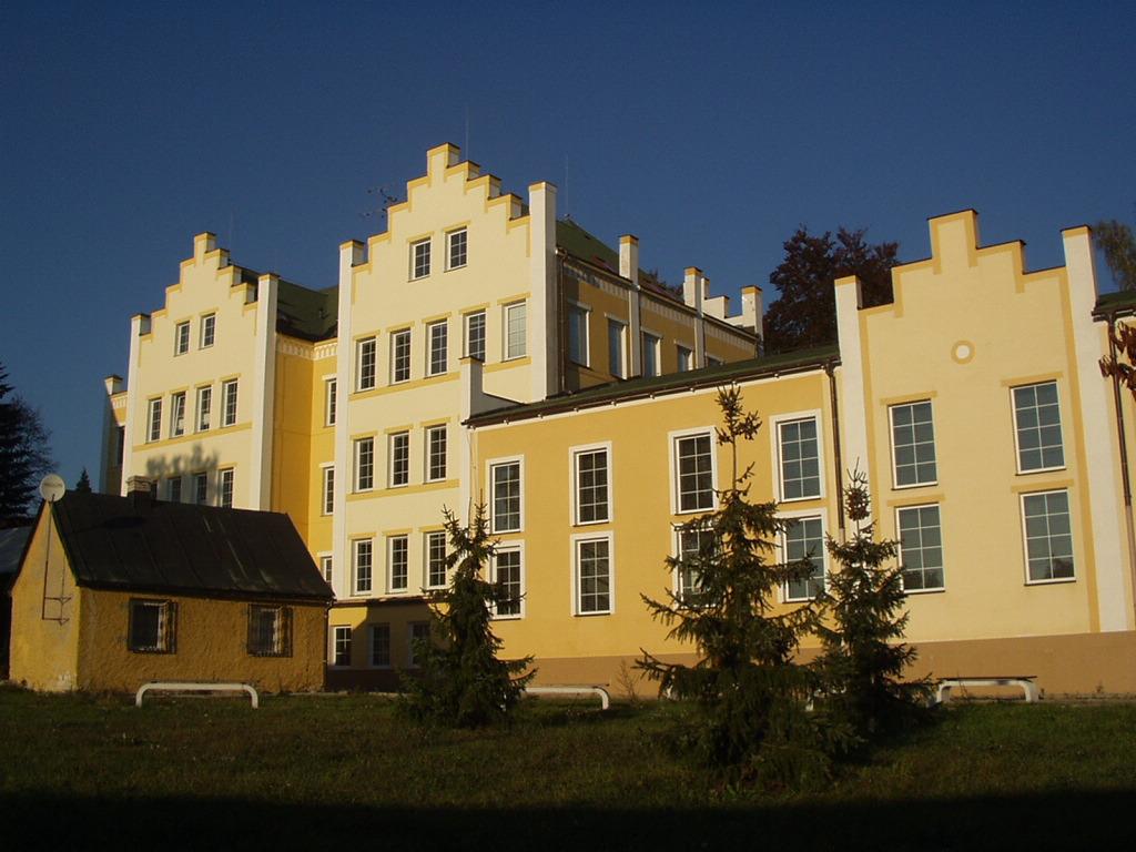 Budova Komenského